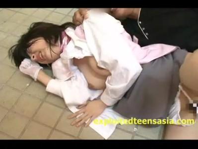 โดนล่อกลางแจ้ง Gangbang Porn Av จับเย็ดนักเรยนสดๆ ไม่มีไครช่วย เพราะเป็นการถ่ายหนังโป๊ญี่ปุ่น