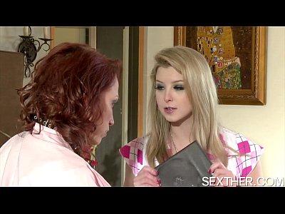 แอบเย็ดหีเพื่อนเมีย ขาวสวยน่าตำหีขนาดนี้xxxxให้เสียวสักน้ำ คลึงนมเงี่ยนหีเลยหวะ เรียกว่าทีเด็ดสาวUsa Porn Movieเนียนอะ