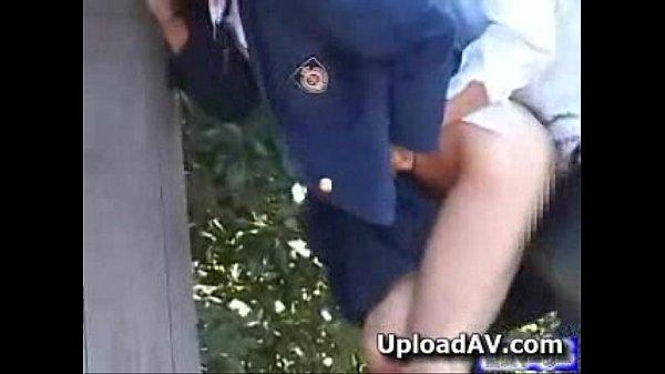 หลุดคลิปนักเรียนปวชแอบเย็ดกันหลังโรงเรียนPorn Thai Teenถ่กกระโปรงขึ้นแล้วจับซอยหี เด้าจนร่วงเลยโดนแอบถ่ายมาสดๆ