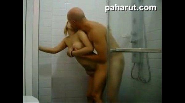 ไอโล้นเด้าหีในห้องน้ำxxxสุดหี ไม่มีการอาบน้ำใดๆ มาถึงซอยยิ้ก คนเลวต้องเย็ดกระหรี่