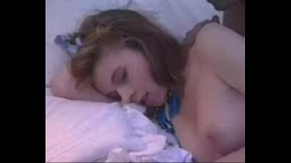 ดูหนังโป๊ออนไลน์ ละเมอมาเย็ดกับน้องสาวภาค2แล้วนอนต่อ แนววัยรุ่นฝรั่ง