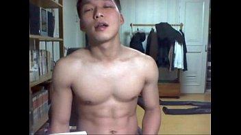 ดูคลิปเกย์หลุดใหม่ ถ่ายควยชักว่าวลำกระดอยาวๆแอบชักสดในห้อง เกาหลีใต้หล่อเหล่าxจัดไม่ธรรมดา อยากดูดปากสักที